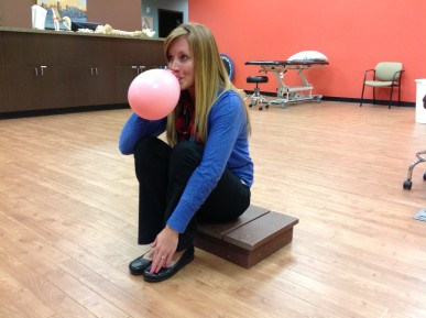 Mackenzi-Breathing short sit balloon
